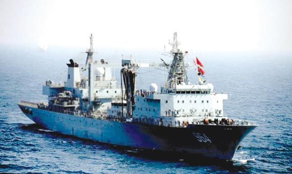 Một tàu chiến Trung Quốc xâm phạm lãnh hải Philippines