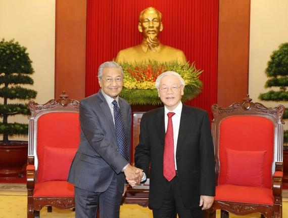 Tổng Bí thư, Chủ tịch nước Nguyễn Phú Trọng tiếp thân mật Ngài Mahathir Mohamad, Thủ tướng Chính phủ Malaysia