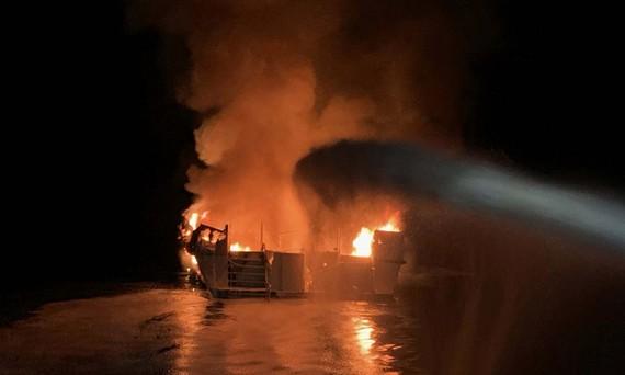 Cháy tàu ở Mỹ, ít nhất 25 người chết