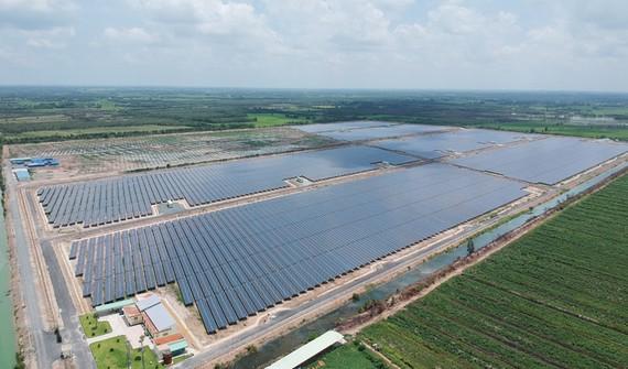 Hệ thống điện mặt trời tại một địa phương. Ảnh: CAO THĂNG