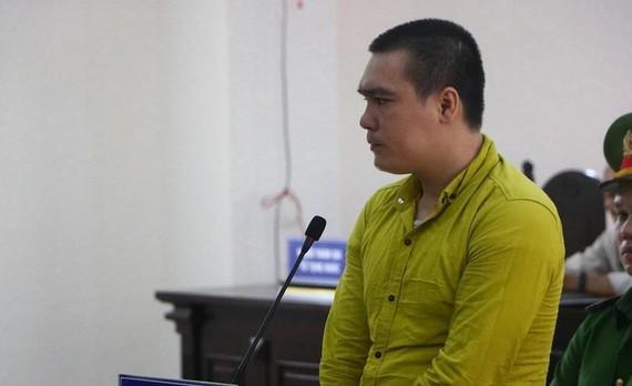Bị cáo Nguyễn Minh Hiếu tại tòa