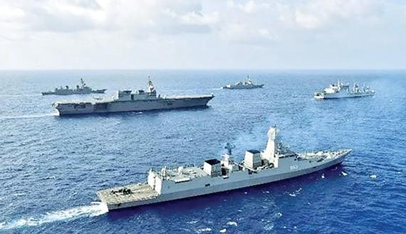 Hải quân Ấn Độ tham gia các cuộc tập trận trên biển Đông với Hải quân Mỹ, Philippines và Nhật Bản. Ảnh: Indiannavy
