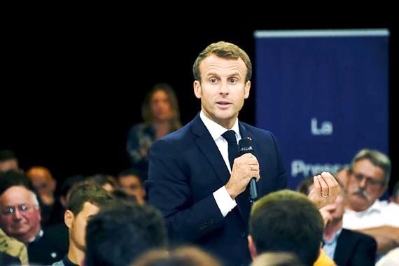 Tổng thống Pháp Emmanuel Macron yêu cầu Google tuân thủ Luật Bản quyền châu Âu