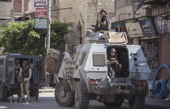 Cảnh sát Ai Cập gác tại El-Arish, Bắc Sinai
