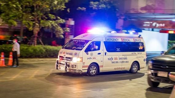 Xe cứu thương tại hiện trường. Ảnh: Teller Report