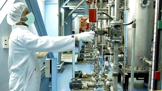 Iran chính thức nối lại hoạt động làm giàu uranium