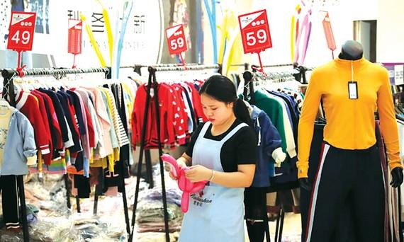 Chi tiêu của người tiêu dùng Trung Quốc tháng 10 thấp hơn tháng trước đó 0,6%