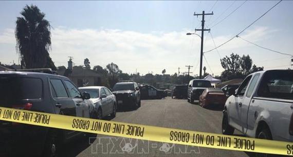 Cảnh sát phong tỏa hiện trường vụ xả súng ở California. Ảnh: TTXVN