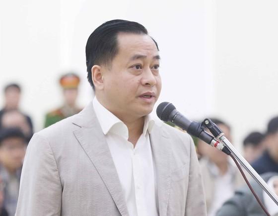Phan Văn Anh Vũ trả lời thẩm vấn tại tòa. Ảnh: TTXVN