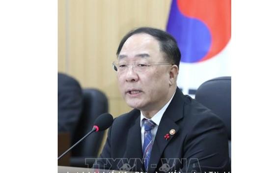 Phó Thủ tướng phụ trách kinh tế, kiêm Bộ trưởng Kế hoạch và Tài chính Hàn Quốc Hong Nam-ki. Ảnh: TTXVN