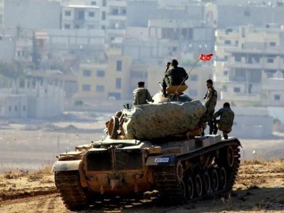 Xe tăng quân đội Thổ Nhĩ Kỳ tham chiến ở mặt trận phía Đông Nam tỉnh Idlib