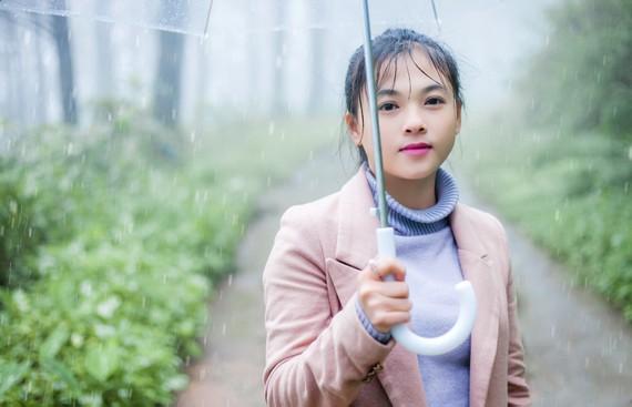 Lữ Hồng - nhà thơ, cô giáo trẻ ở một xã vùng sâu thuộc huyện Chư Prông, Gia Lai