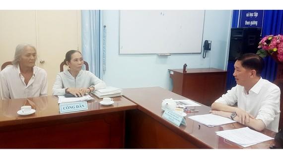 Phó Chủ tịch UBND TPHCM Trần Vĩnh Tuyến tiếp và giải quyết đơn của ông Trương Bạch