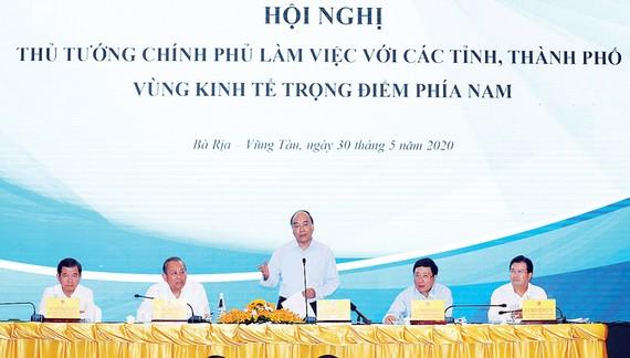 Thủ tướng Nguyễn Xuân Phúc phát biểu kết luận hội nghị. Ảnh: TTXVN