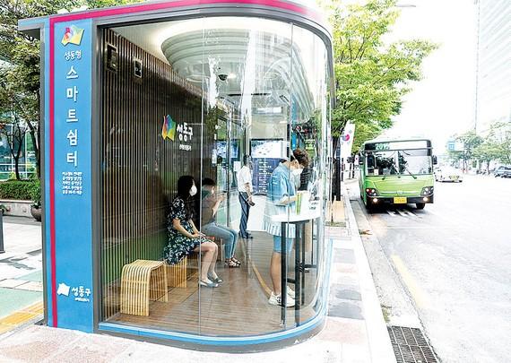 Nhà chờ xe buýt thông minh