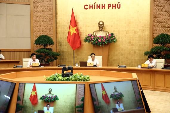 Phó Thủ tướng Vũ Đức Đam: Tinh thần luôn sẵn sàng chống dịch phải được duy trì liên tục, không được lơi lỏng. Ảnh: VGP/Đình Nam