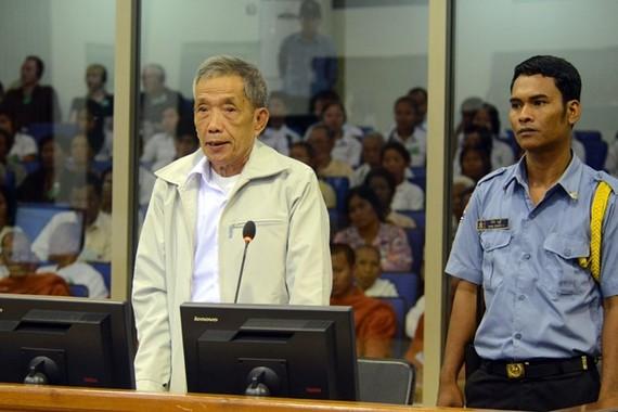 Kaing Guek Eav tại phiên xét xử năm 2012. Ảnh: Getty