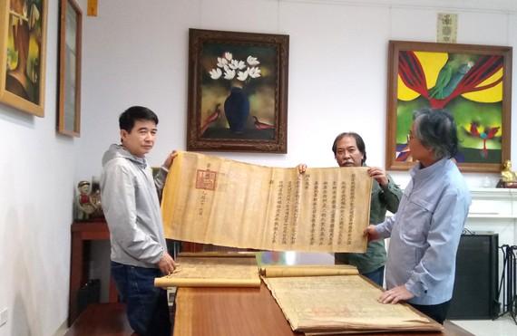 Nhóm Nhân sĩ Hà Đông đưa các đạo sắc phong trở về với các làng xã