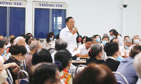 Ông Đặng Văn Nghê, Trưởng ban Đại diện Hội Người cao tuổi quận Tân Bình, đề nghị xem xét trách nhiệm trong chậm trễ mừng thọ, chúc thọ người tròn 100 tuổi