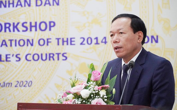 Ông Nguyễn Trí Tuệ, Phó Chánh án Tòa án Nhân dân Tối cao phát biểu khai mạc hội thảo. Ảnh: VTV