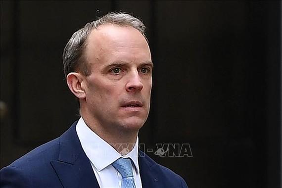 Ngoại trưởng Anh Dominic Raab. Ảnh: THX/TTXVN