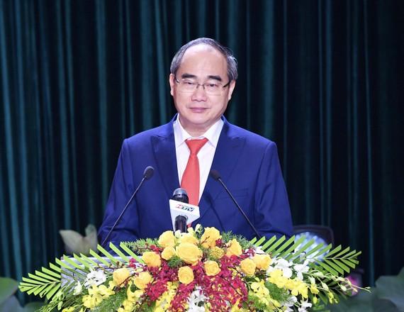 Đồng chí Nguyễn Thiện Nhân phát biểu tại Lễ công bố Nghị quyết 1111/NQ-UBTVQH14. Ảnh: VIỆT DŨNG