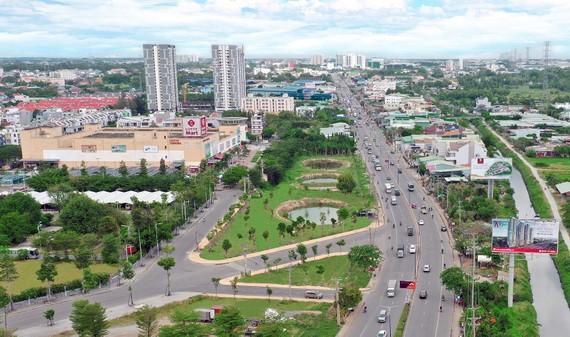 Quốc lộ 13 (đoạn qua TP Thuận An) đang được quy hoạch mở rộng thành đại lộ