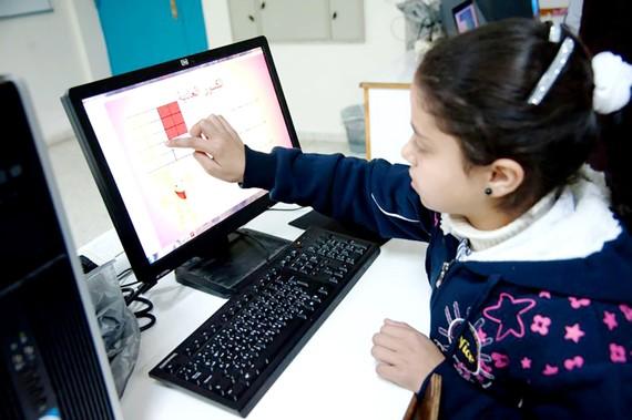 Học sinh Palestine có cơ hội tiếp cận với nền tảng giáo dục số hóa