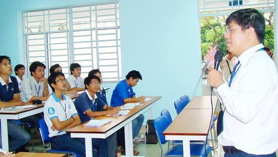 Giảng viên Trường ĐH Bách khoa TPHCM