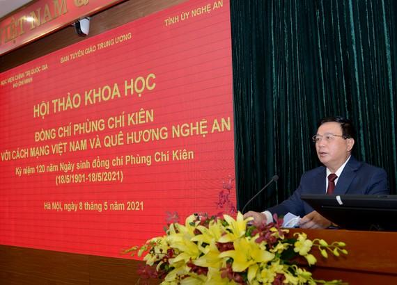 Đồng chí Nguyễn Xuân Thắng phát biểu tại hội thảo. Ảnh: Tạp chí Tuyên Giáo