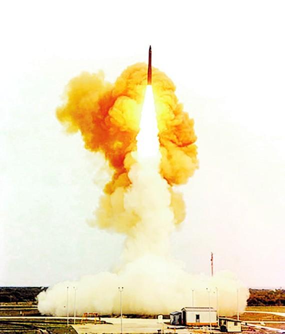 Mỹ thử nghiệm tên lửa đạn đạo xuyên lục địa Minuteman III có khả năng trang bị đầu đạn hạt nhân