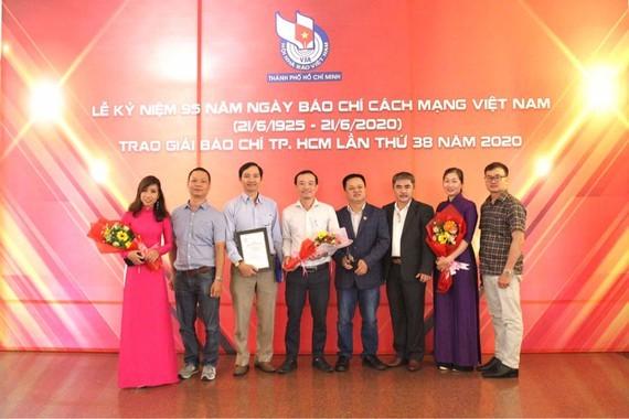Các phóng viên, nhà báo đoạt Giải Báo chí TPHCM năm 2020. Ảnh minh họa