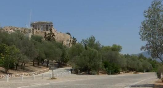 Hy Lạp đóng cửa địa điểm du lịch vì nắng nóng