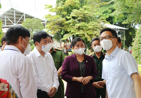 Phó Thủ tướng Vũ Đức Đam kiểm tra công tác phòng chống dịch Covid-19 tại tỉnh Bình Phước