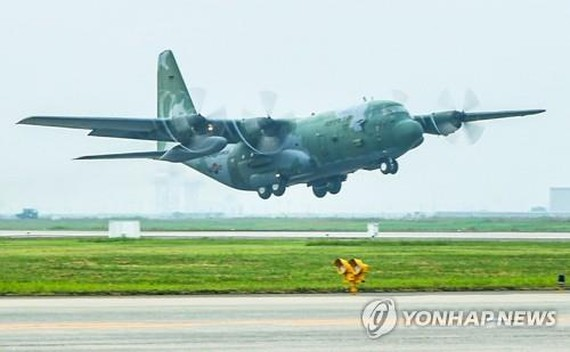 This undated file photo shows a South Korean military C-130H transport plane. (Yonhap)