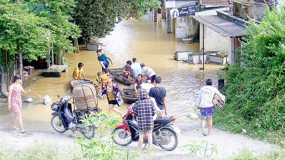 Thieu Duong Commune in the central provicne of Thanh Hoa is isolated by floods -Photo: DQ