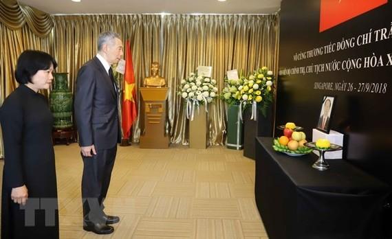 Singapore PM: President Quang devotes his life to Vietnam