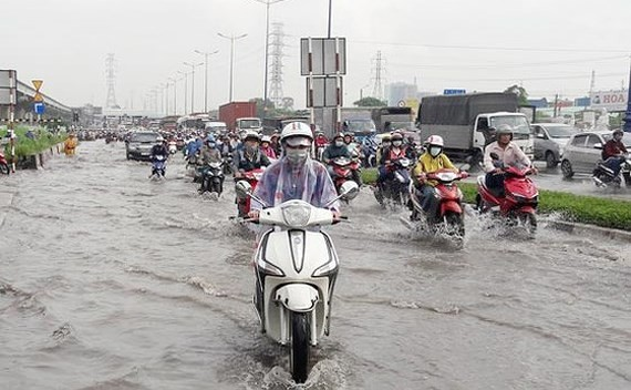 Heavy rains continue to hit central Vietnam