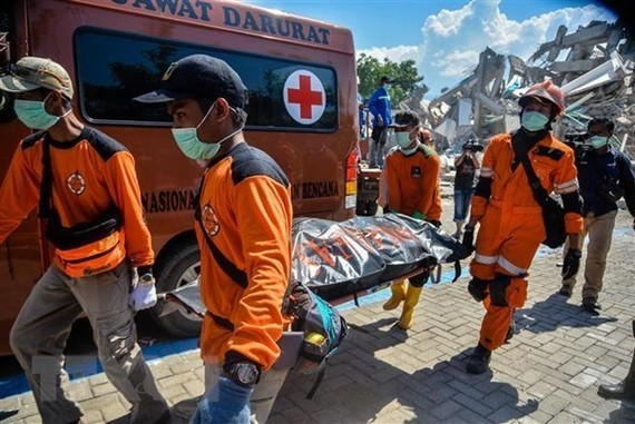 Indonesia's earthquakes: Military plays important role in relief work
