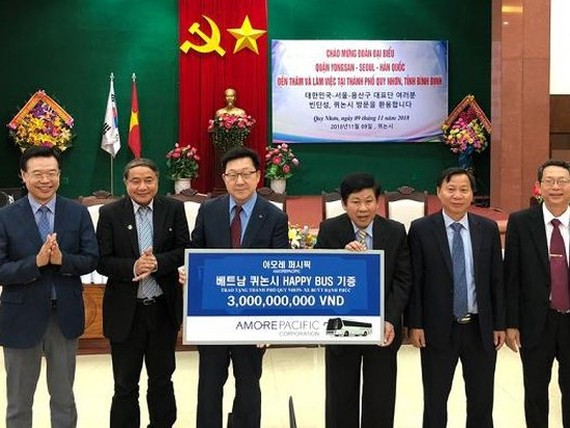 Korean group gives happy bus to Quy Nhon City