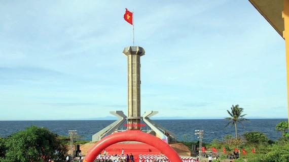 Khánh thành cột cờ Tổ quốc trên đảo Cồn Cỏ