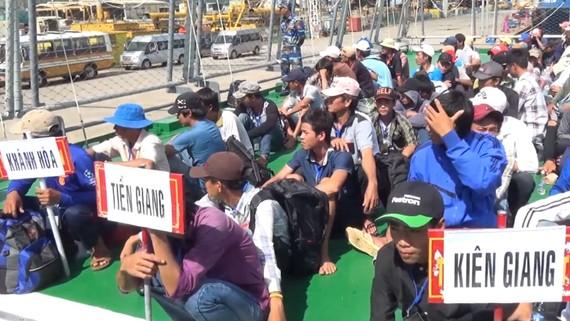 Indonesia trao trả 239 ngư dân Việt Nam