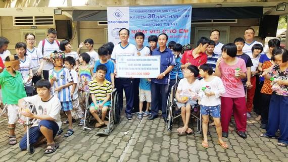 Saigonbank tổ chức đi bộ gây quỹ từ thiện