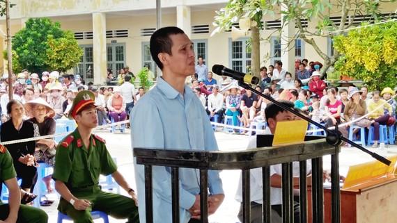 Bị cáo Nguyễn Trung Hoàng tại phiên tòa