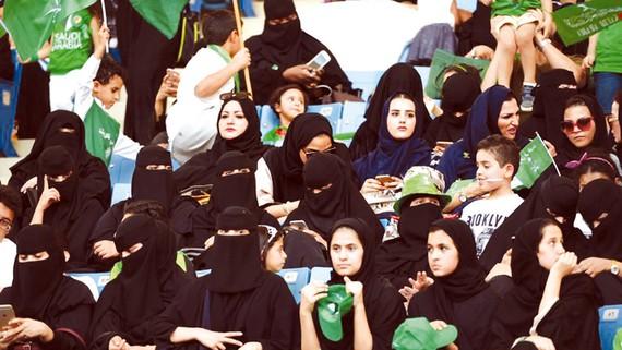 Saudi Arabia cho phép phụ nữ vào sân vận động xem thể thao