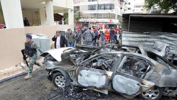 Lực lượng an ninh Lebanon tại hiện trường vụ đánh bom ở Thành phố Sidon, Lebanon, ngày 14-1-2018. Ảnh: REUTERS