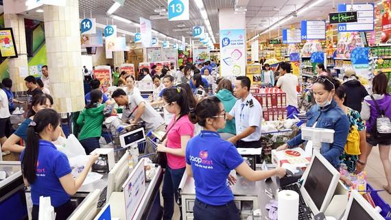 Siêu thị Co.opmart Tân Thành khai trương giảm giá sâu và tặng Iphone X