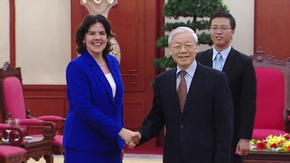 Tổng Bí thư Nguyễn Phú Trọng tiếp thân mật Đại sứ Cuba Lianys Torres Rivera.