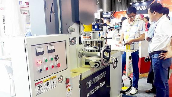 TPHCM cần khuyến khích các DN đầu tư vào các ngành công nghiệp trọng điểm