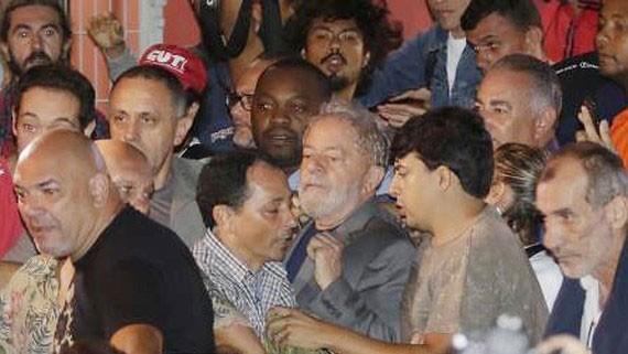 Cựu Tổng thống Brazil chấp hành lệnh bắt giữ. Nguồn: TTXVN